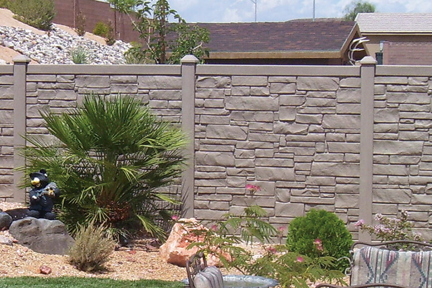 Allegheny Simulated Stone Fence in Grey